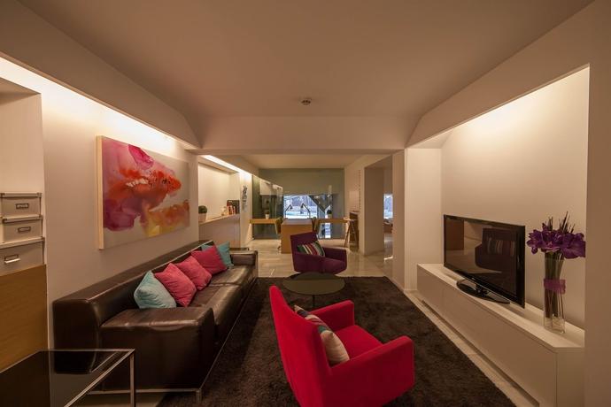 Hotel aptosuite jardines de sabatini barat simo for Hotel jardines sabatini