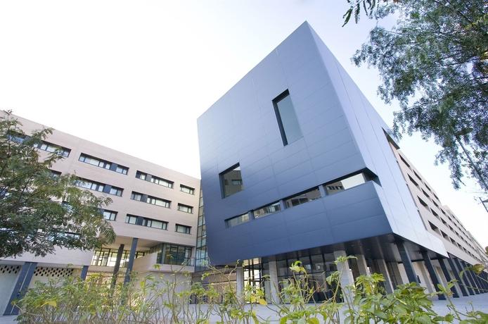 Villa universitaria barat simo for Villas universitarias